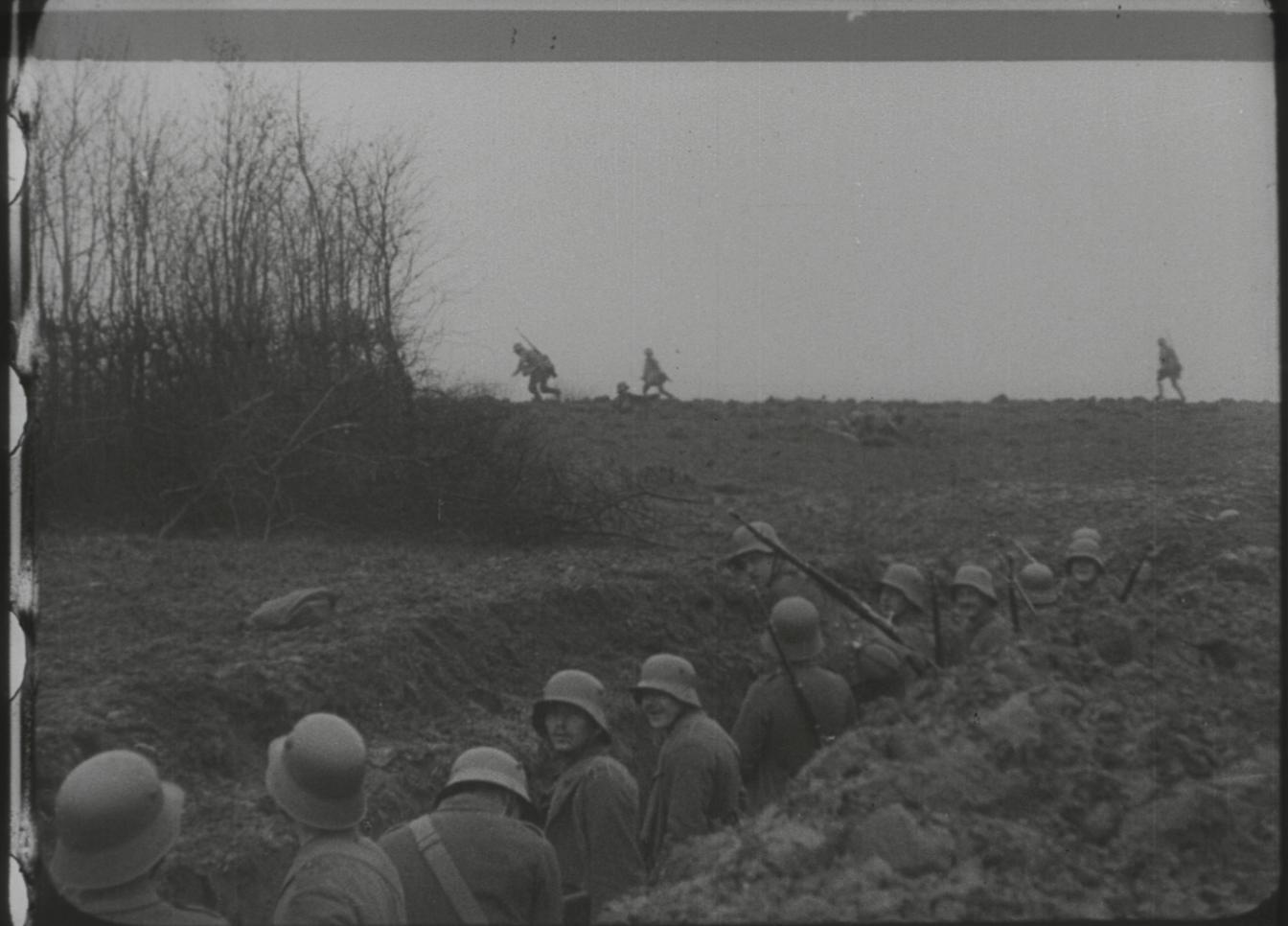 """Standbild aus dem Film """"Bei unseren Helden an der Somme"""""""