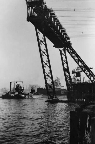 Stülcken-Werft in Hamburg, aus der Serie 'Die Welt des Tabaks', Foto: Ehrhardt, Alfred (1956)