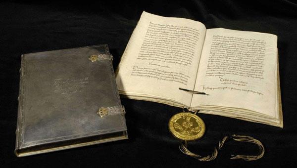 Goldene Bulle Kaiser Karls IV. (Quelle: Landesarchiv Baden-Württemberg)