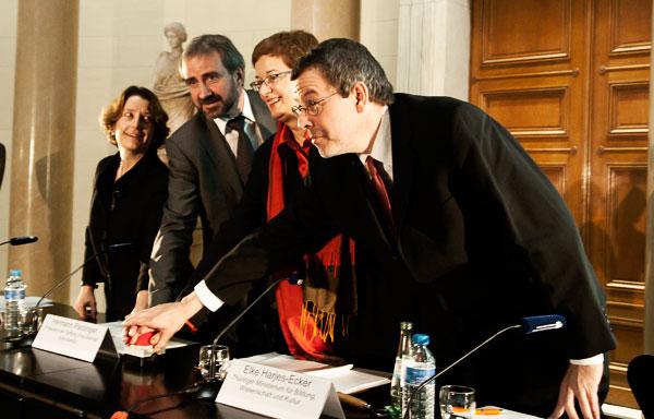 Jill Cousins, Hermann Parzinger, Elke Harjes-Ecker und Matthias Harbort (v.l.n.r.)