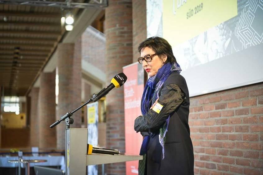 Hortensia Völckers, Künstlerische Direktorin der Kulturstiftung des Bundes begrüßt zum Hackathon, Fotografin: Diane von Schoen (CC BY 4.0 International)