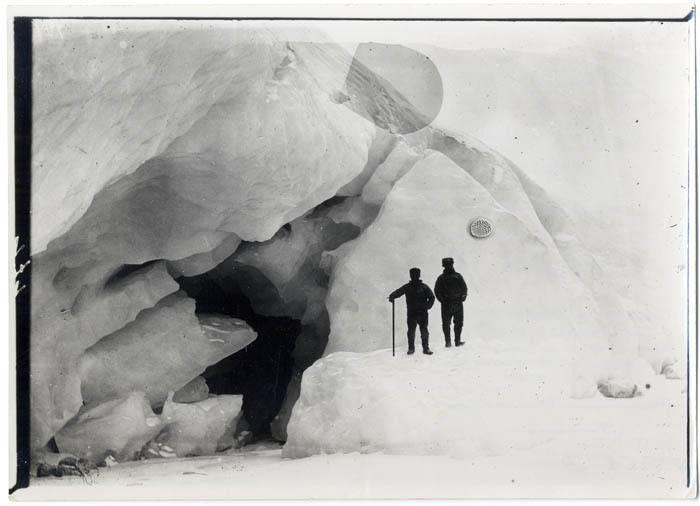 """""""Seitenrand des Großen Karajak: ausgelaufener See"""" (Gletscher in Grönland, 1891-93), Nachlass Erich von Drygalski, Leibniz-Institut für Länderkunde e.V., Leipzig (CC BY-NC-SA 4.0 International)"""