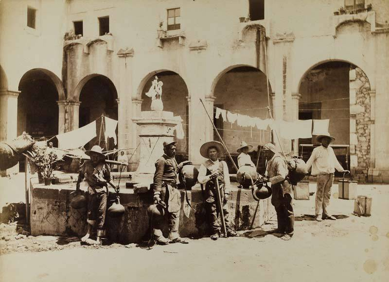 """No. 236. Aguadores, Mexico."" (1880-1897), Fotograf: William Henry Jackson, Museum für Kunst und Gewerbe Hamburg (CC0 1.0 Universell – Public Domain Dedication)"