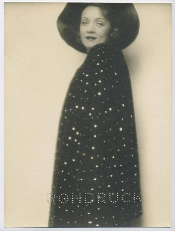 Marlene Dietrich (Berlin, 1929), Fotograf: Mario von Bucovich, Marlene Dietrich Collection Berlin, Deutsche Kinemathek – Museum für Film und Fernsehen, Public Domain