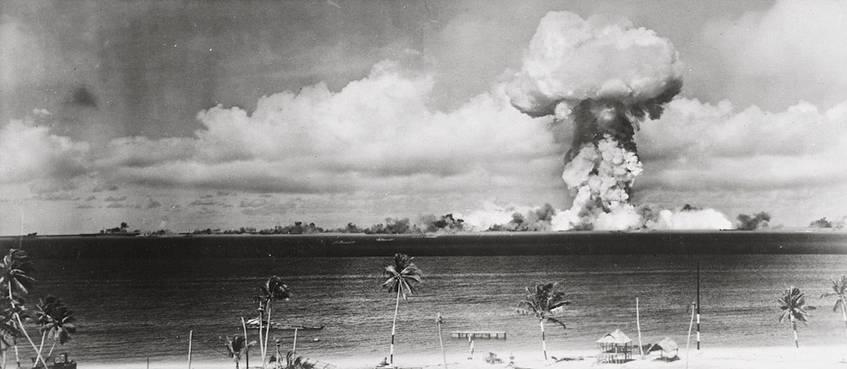 """""""Zündung der Atombombe """"Able"""" über dem Bikini-Atoll am 1. Juli 1946"""", Deutsches Historisches Museum"""