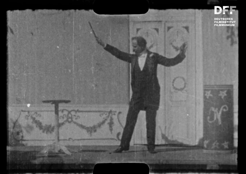 Julius Neubronner zaubert (1904)