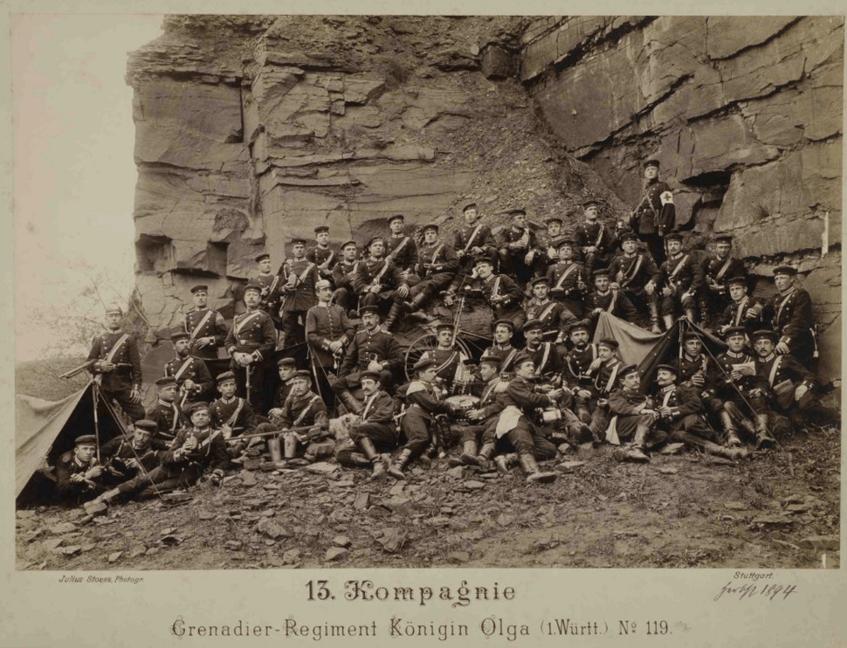 """""""13. Kompanie des Regiments mit Fahrrädern, Zelten und anderen Ausrüstungsgegenständen"""" (1894) Landesarchiv Baden-Württemberg, Abt. Hauptstaatsarchiv Stuttgart, M 703 R433N1 (CC BY 3.0 DE)"""