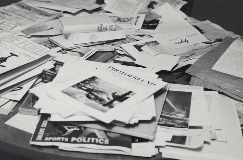 """""""Ohne Titel (Zeitschriften und Bücher)"""", Raoul Hausmann (um 1930), Berlinische Galerie / VG Bild-Kunst, Bonn,  Erworben aus Mitteln der Senatsverwaltung für Kulturelle Angelegenheiten, Berlin, 1991"""