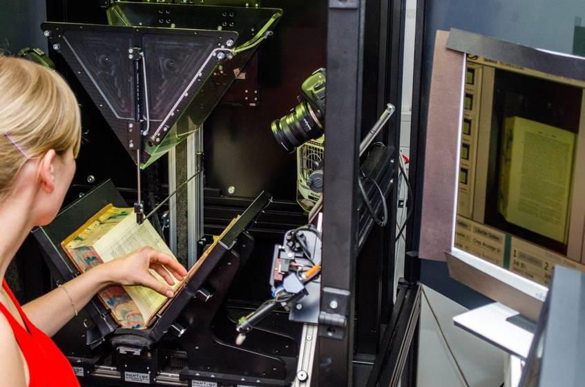 DDZ Digitalisierungsroboter, SLUB Dresden