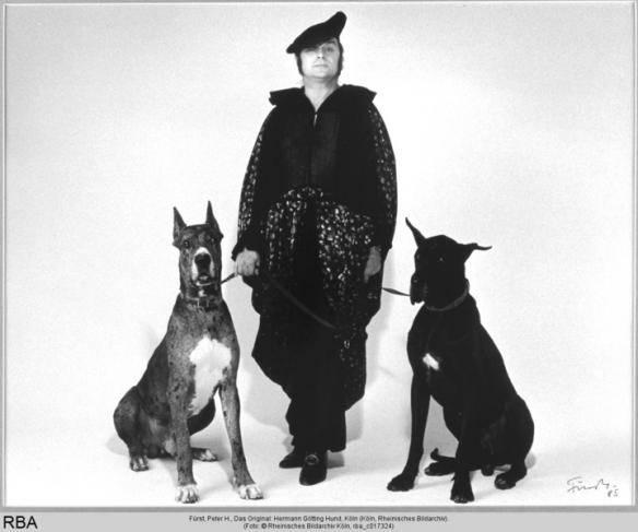 Das Original: Hermann Götting Hund, Foto: Fürst, Peter H. (um 1987), © Rheinisches Bildarchiv Köln