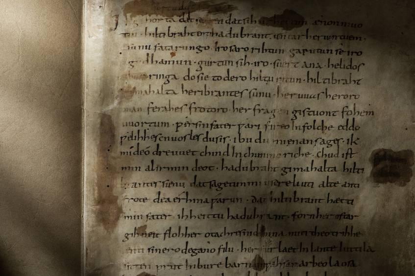 Hildebrandlied, 9. Jh., Erste Seite, Signatur: 2° Ms. theol. 54, fol. 1r