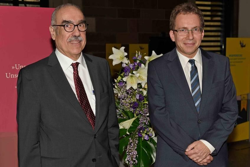 Stabwechsel: Prof. Dr. Kretzschmar (links) und Prof. Dr. Maier bei der Amtsübergabe am 22.01.2018 in Stuttgart, Vorlage Landesarchiv Baden-Württemberg