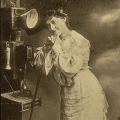 Im Telefonhäuschen-Historische Bildpostkarten/Universität Osnabrück-CC BY-NC-SA 4.0